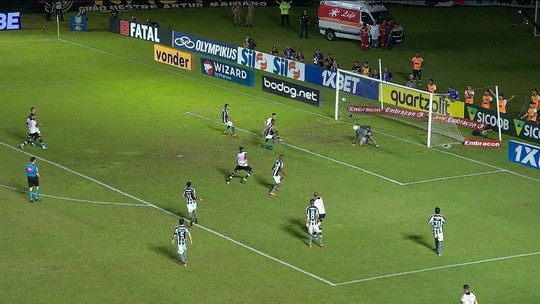 Vasco mostra repertório, domina o Botafogo e tem noite feliz mesmo sem Talles