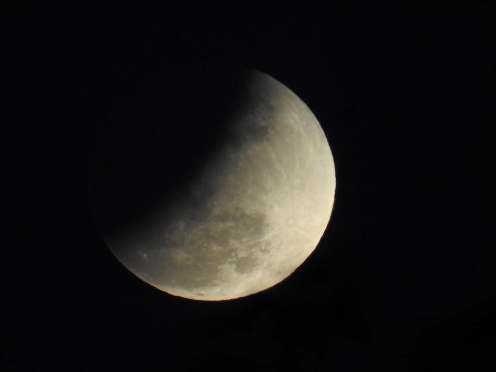 Eclipse em Manaus por volta de 18h30 — Foto: Patrick Marques/G1 AM