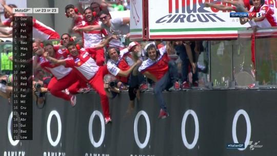 Dovizioso brilha, surpreende Rossi e Viñales, e fatura o GP da Itália