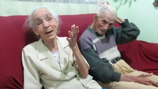 Idoso celebra 104 anos e irmã de 100 conta segredo da família: 'muito miojo'