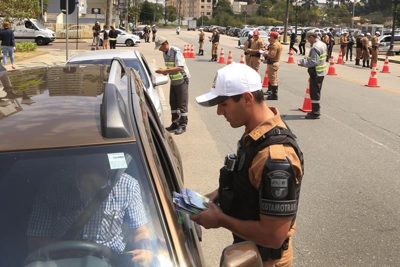 Excesso de velocidade é a principal causa de multas em Curitiba, diz prefeitura