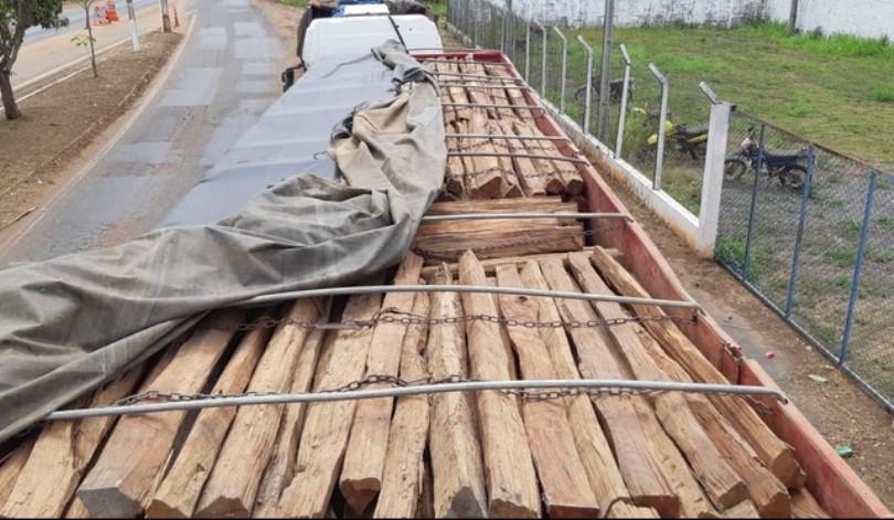 Carregamento de madeira irregular é apreendido na BR-010 no MA