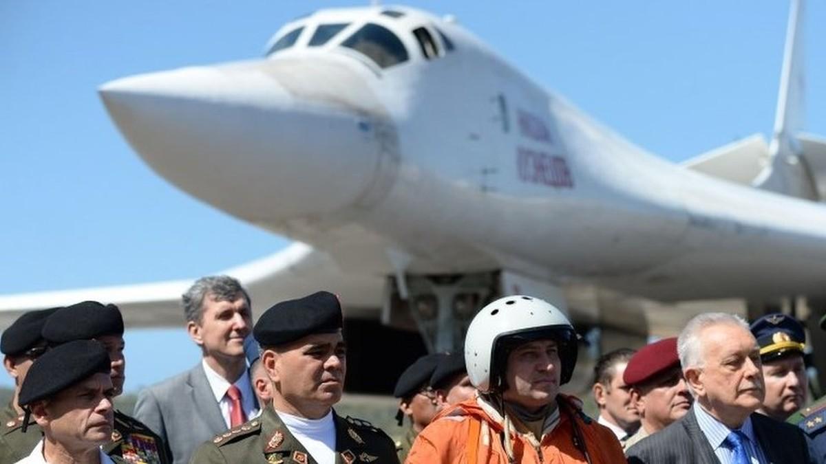Resultado de imagem para bombardeiros russos venezuela