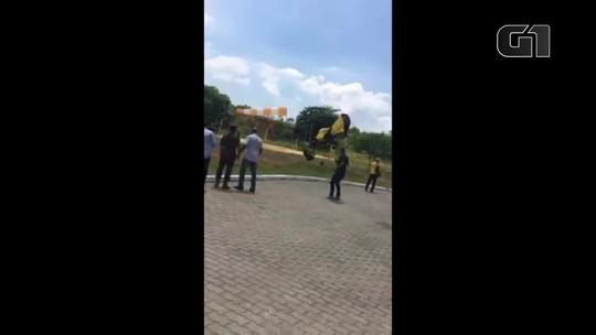 Paraquedista sobrevive a acidente na Vila Militar, no Rio
