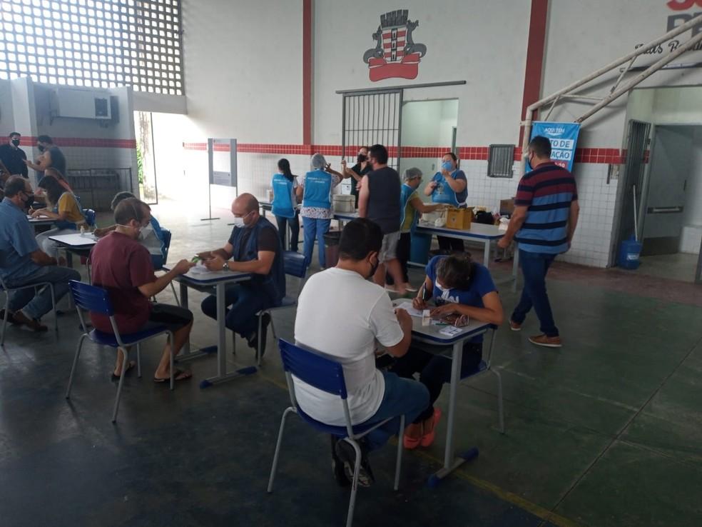Vacinação contra a Covid-19 em João Pessoa — Foto: Phelipe Caldas/G1