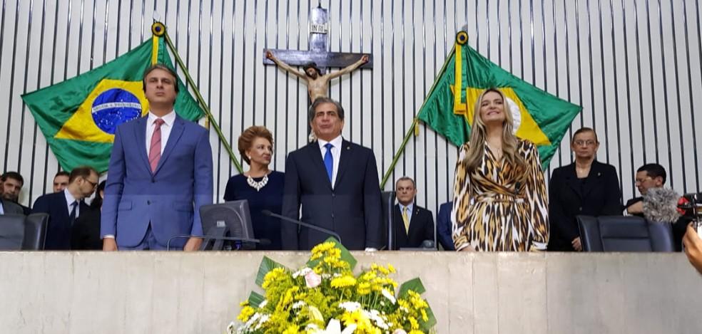 Camilo Santana esteve presente na solenidade de posse dos deputados estaduais. — Foto: Letícia Lima/Agência Diário