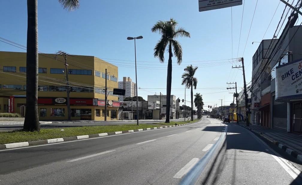 SOROCABA (SP) - A avenida General Carneiro amanhece vazia na quarta-feira (25) em Sorocaba (SP) — Foto: Guilherme de Moraes/Arquivo Pessoal
