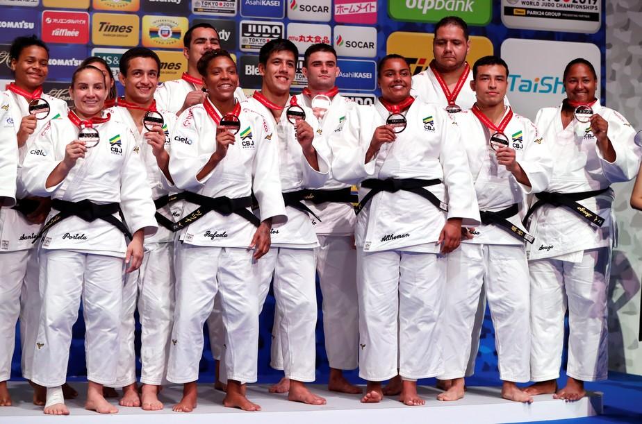 Brasil bate Mongólia, leva bronze por equipes e fecha Mundial de Judô em Tóquio com três pódios
