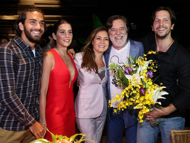 Hugo Moura, Deborah Secco, Adriana Esteves, Jose de Abreu e Vladimir Brichta (Foto: Roberto Filho/Brazil News)