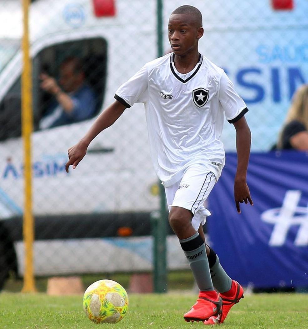 Rhuan Lucas é uma das principais promessas da base do Botafogo — Foto: Botafogo F.R.