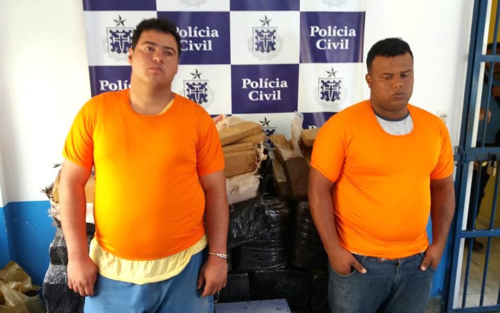 Dois homens foram presos na ação (Foto: Divulgação/SSP-BA)