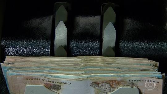 60% dos brasileiros preferem pagar contas com dinheiro, diz pesquisa