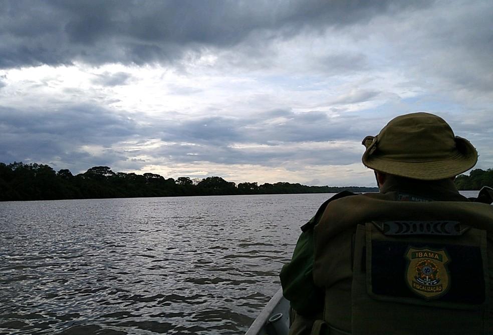 Ibama realizou operação de fiscalização que percorreu o Rio das Mortes — Foto: Ibama-MT