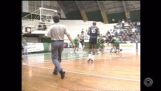 JA relembra conquista histórica pro basquete de Santa Cruz