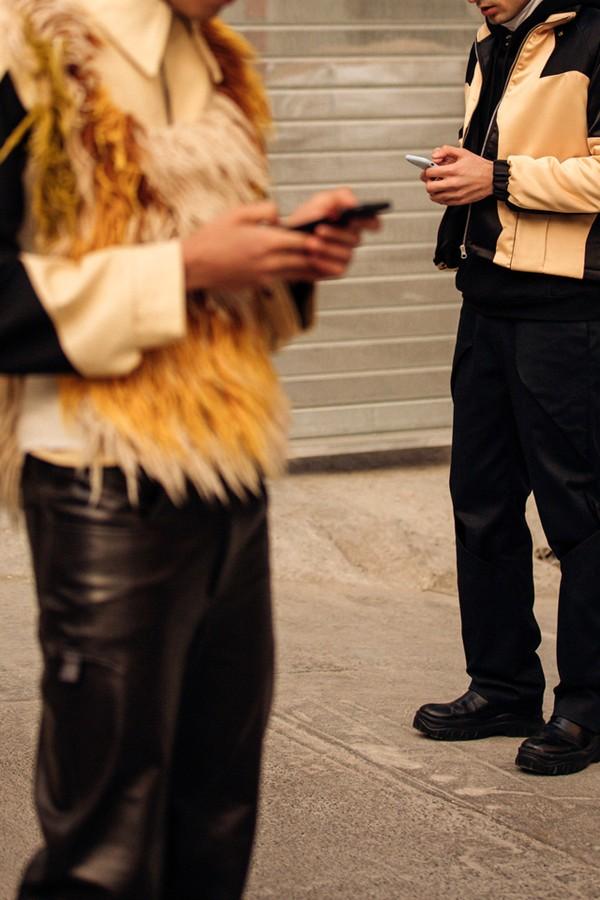 Como a tecnologia transformou a minha vida amorosa (Foto: VOGUE UK/ Jonathan-Daniel-Pryce)