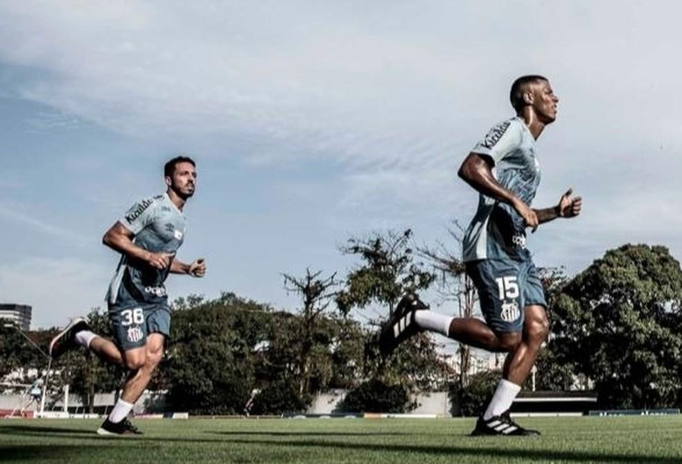 Santos iniciou avaliações em atletas nesta terça-feira — Foto: Ivan Storti/Santos FC