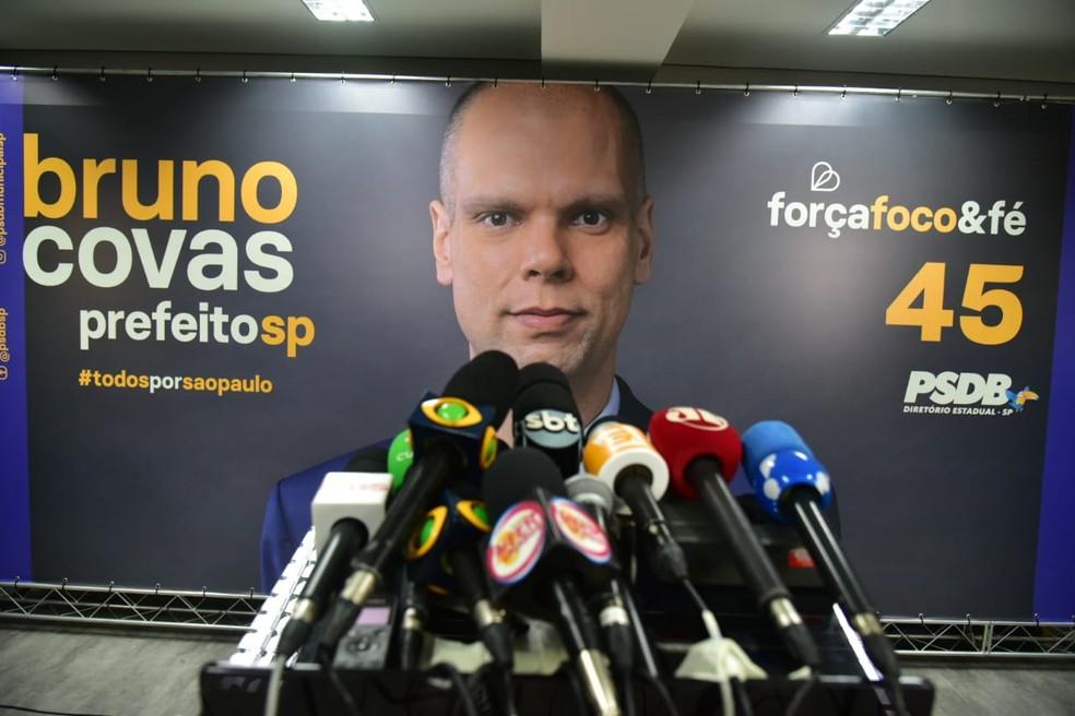Jornalistas a espera do candidato Bruno Covas no diretório municipal do PSDB em São Paulo.  — Foto: Fabio Tito/G1