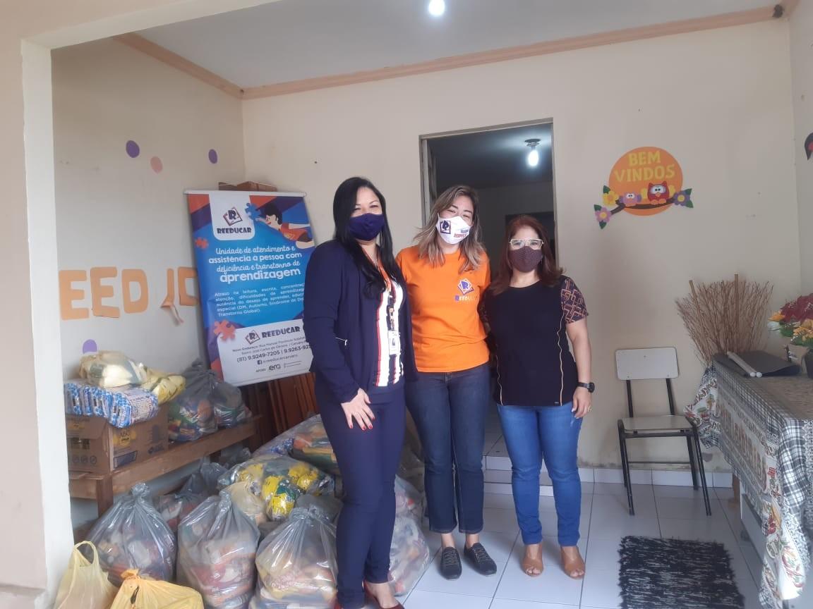 Instituições caruaruenses recebem alimentos da campanha realizada pelo Sistema Fecomércio