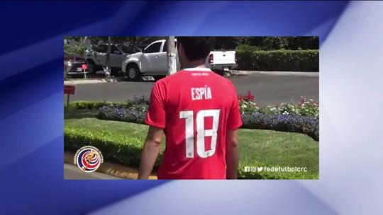 Correspondente do SporTV é tratado como espião na Costa Rica e ganha camisa da seleção