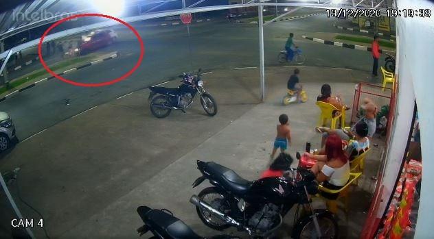 Motorista que atropelou três jovens paga fiança de R$ 500 e é liberado pela Justiça de RR