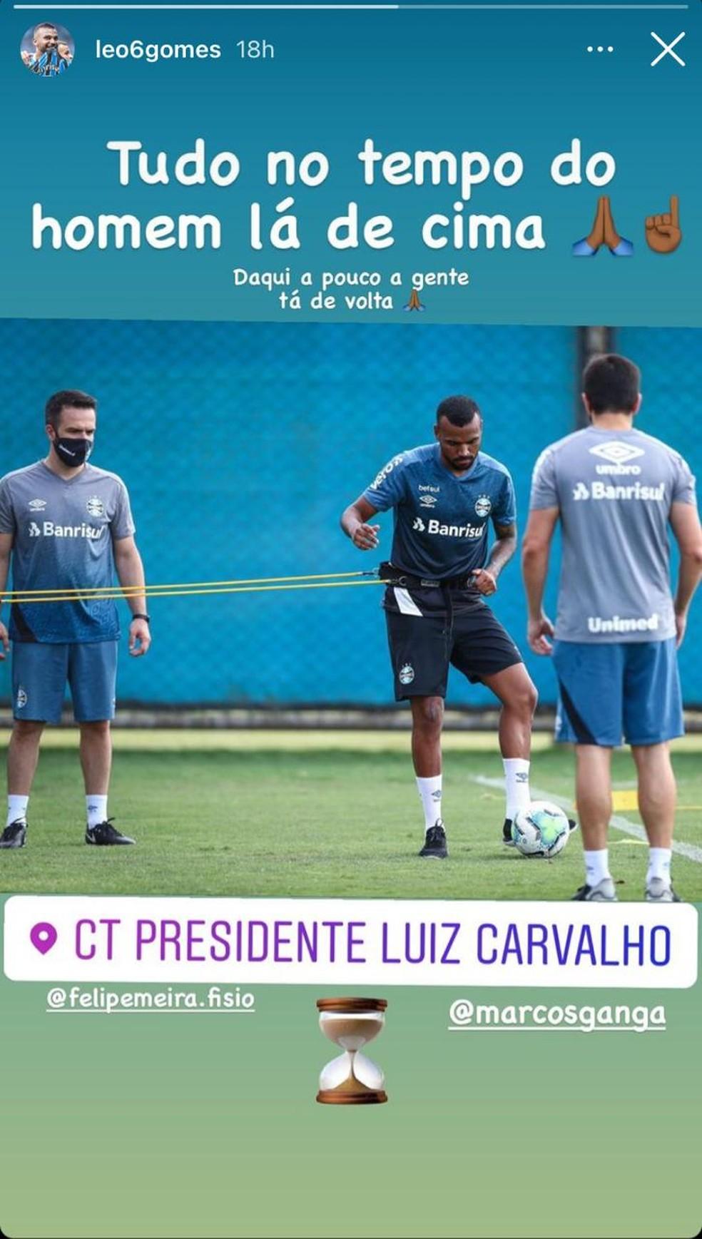 Leonardo, do Grêmio, compartilha foto treinando com auxílio da bola — Foto: Reprodução/Instagram Leonardo