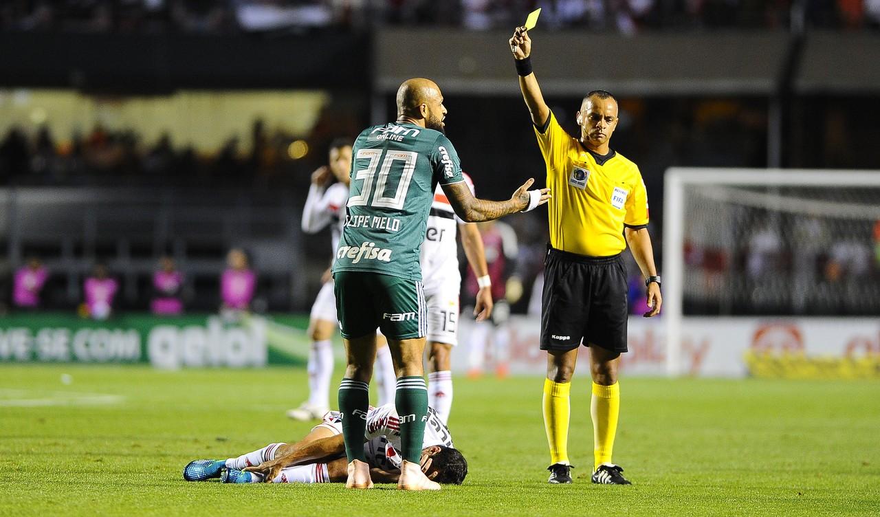 Palmeiras terá quatro desfalques para duelo contra o Grêmio no Pacaembu; veja opções