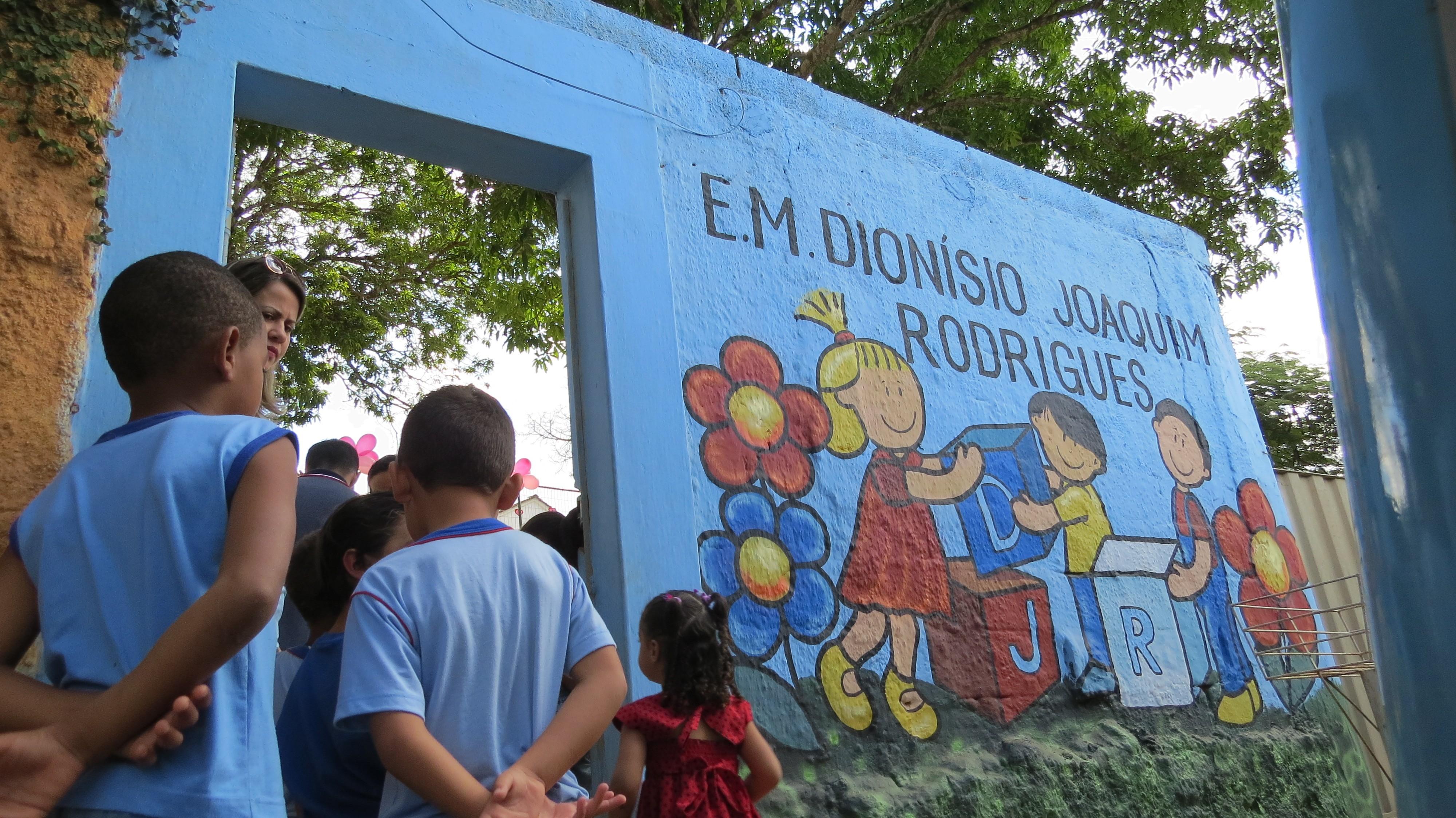 Cidades do Centro-Oeste de MG discutem sobre a retomada das aulas presenciais em outubro