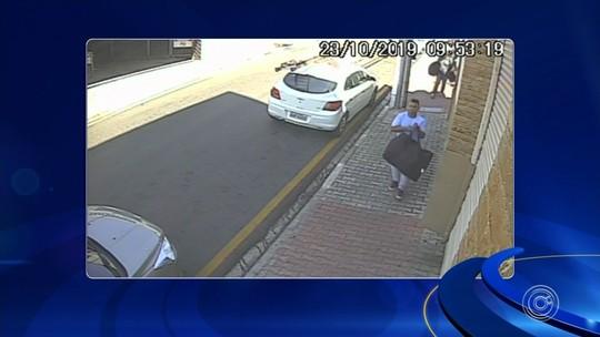 Câmera registra quadrilha fugindo com objetos roubados de shopping em Porto Feliz