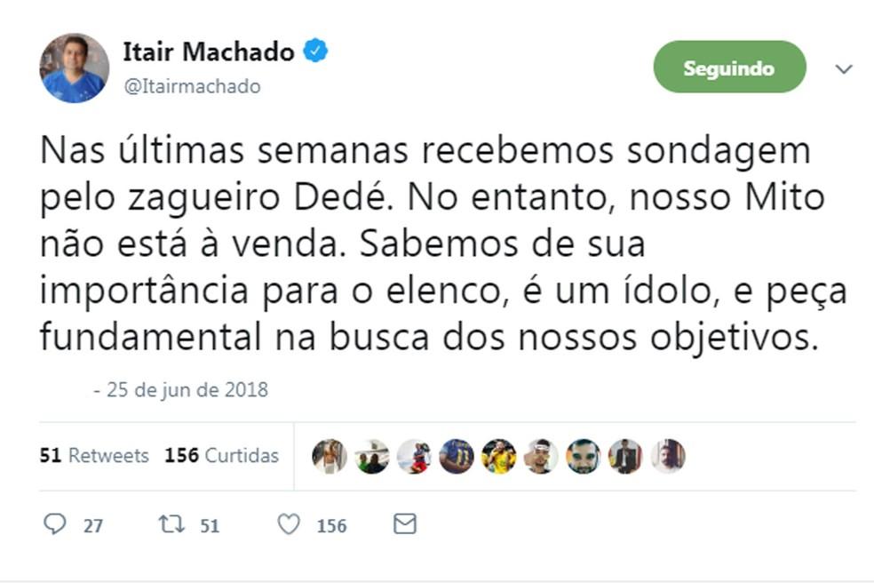Postagem do vice-presidente de futebol do Cruzeiro, Itair Machado, sobre sondagens a respeito de Dedé — Foto: Reprodução / Twitter