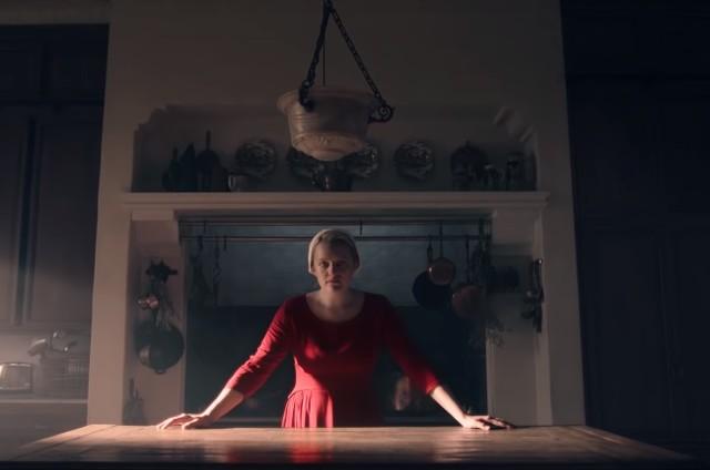 Elisabeth Moss na terceira temporada de 'The handmaid's tale' (Foto: Reprodução)