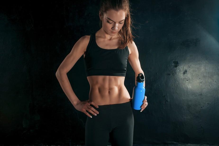 Confira 3 exercícios de prancha para deixar a barriga