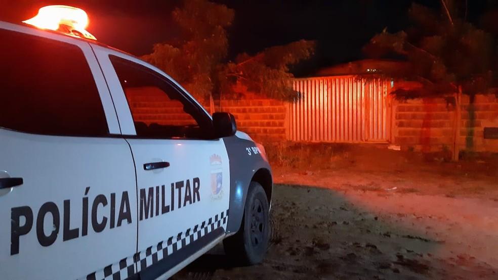 Polícia Militar foi ao local do crime em Nísia Floresta, na Grande Natal — Foto: Sérgio Henrique Santos/Inter TV Cabugi