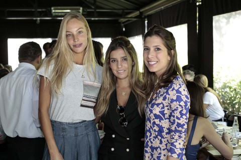 Ana Carolina Monteiro, Marcela Muniz , Maria Elena Neves