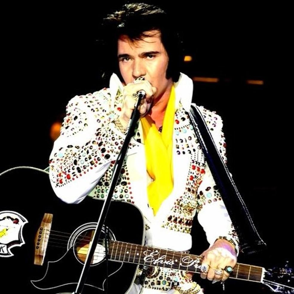 Edson Galhardi faz show cover de Elvis Presley em Poços de Caldas (MG) — Foto: Divulgação/Santa Casa