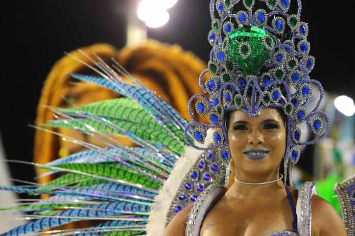 Escola de samba trouxe enredo místico falando de axé, miscigenação, arte e amor  — Foto: Vanessa Rodrigues/Jornal A Tribuna de Santos