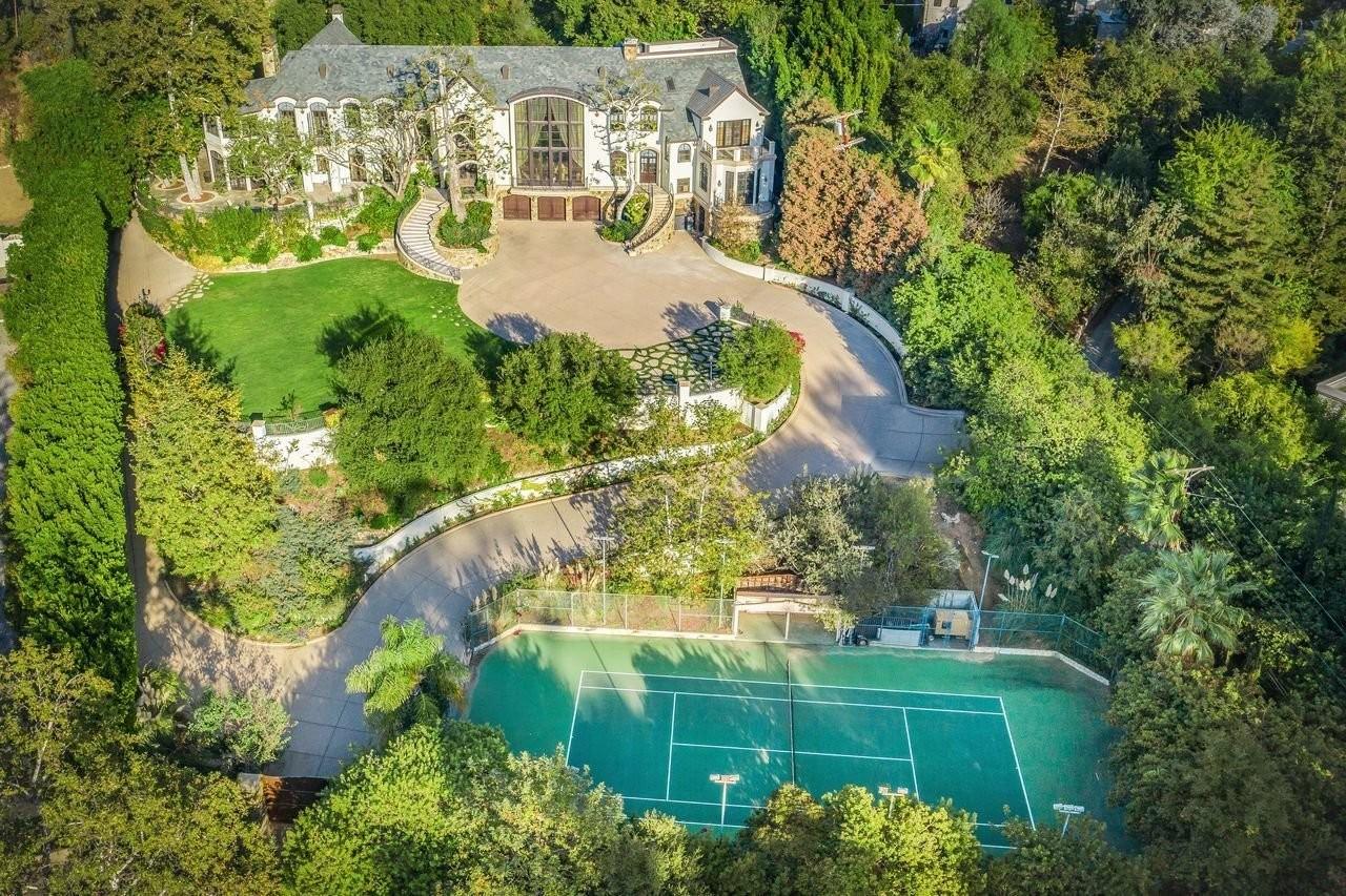 Gene Simmons, do Kiss, coloca mansão à venda por R$ 123 milhões - Casa Vogue | Casas de famosos