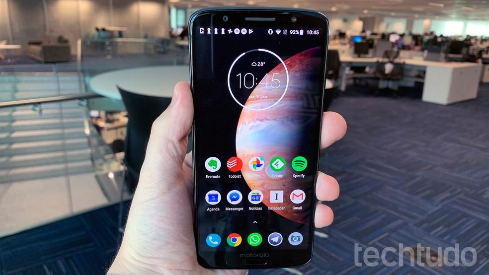 Celulares com sistema Android podem usar app Fast Charger para agilizar carregamento da bateria — Foto: Bruno De Blasi/TechTudo