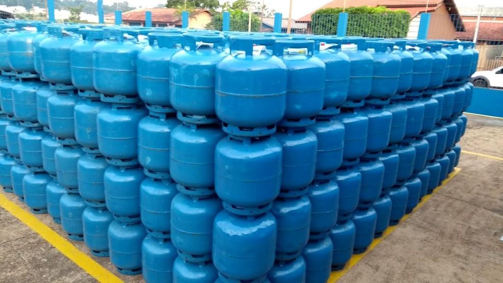 Petrobras reajusta preço do gás de botijão — Foto: Rogério Aderbal/G1