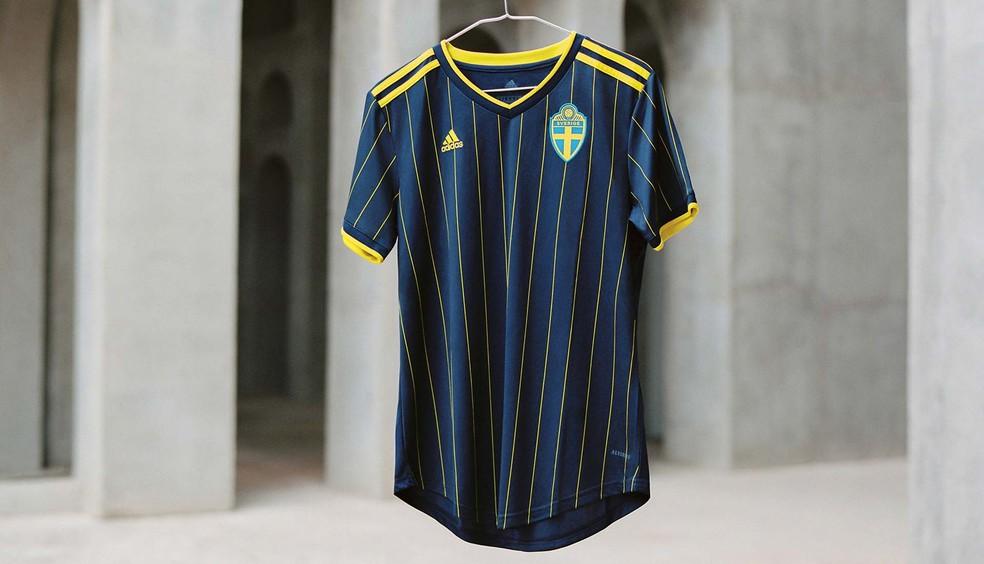 A nova camisa visitante da Suécia para a Eurocopa — Foto: Divulgação/Adidas