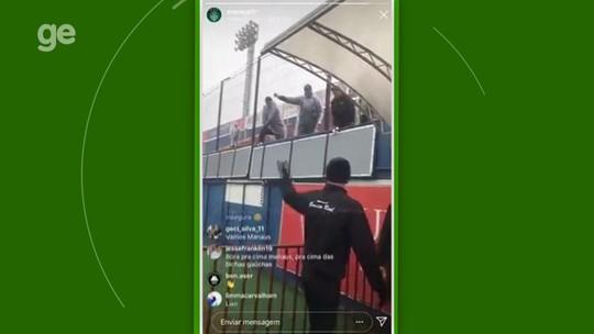 """Em vídeo, zagueiro bate-boca com torcedores: """"Jogamos em Arena de Copa do Mundo, não esse lixo"""""""