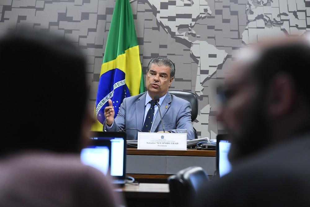 Senador Nelsinho Trad é autor do PL para divulgação de áudios do VAR (Foto: Marcos Oliveira / Agência Senado)