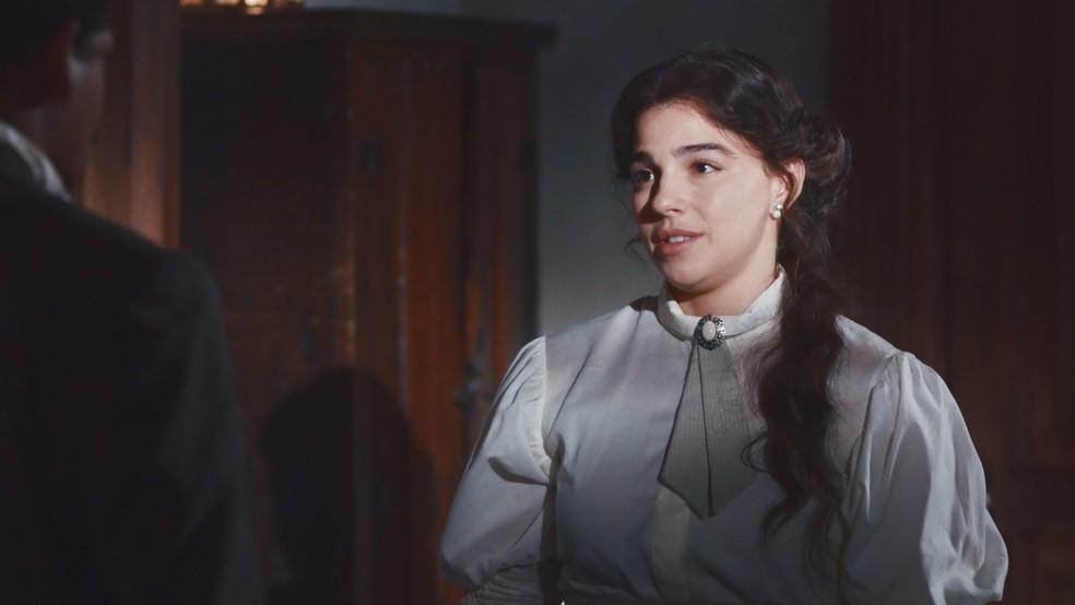 Pilar (Gabriela Medvedovski) desabafa com Jorge/Samuel (Michel Gomes) em 'Nos Tempos do Imperador' — Foto: Globo