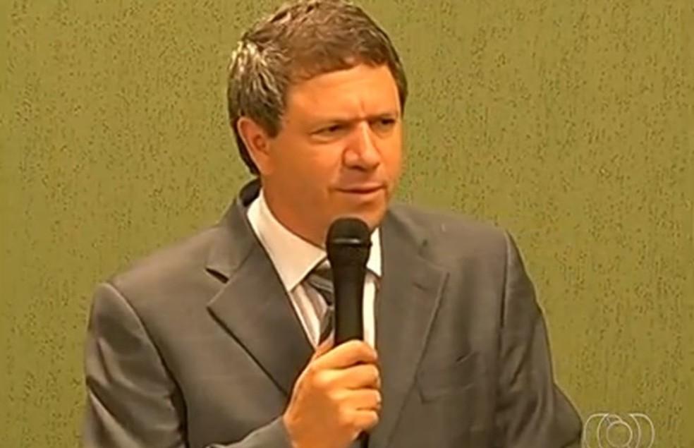 Luiz é filho de José Gomes da Rocha, ex-prefeito de Itumbiara, assassinado em 2016 durante uma carreata — Foto: Reprodução/TV Anhanguera