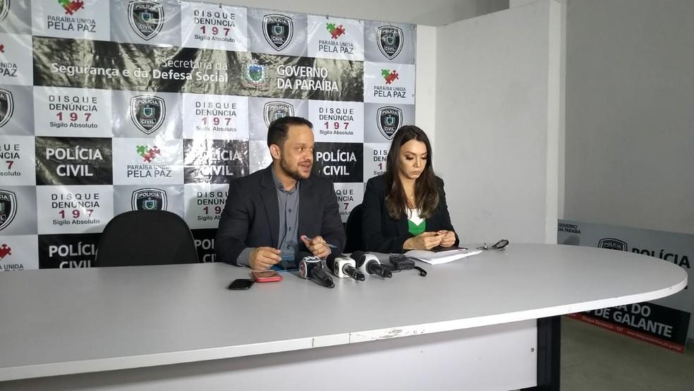 Delegados Henry Fábio e Alba Tânia, da Polícia Civil, explicaram investigação sobre suposto estupro de estudante em Campina Grande (Foto: Iara Alves/G1)