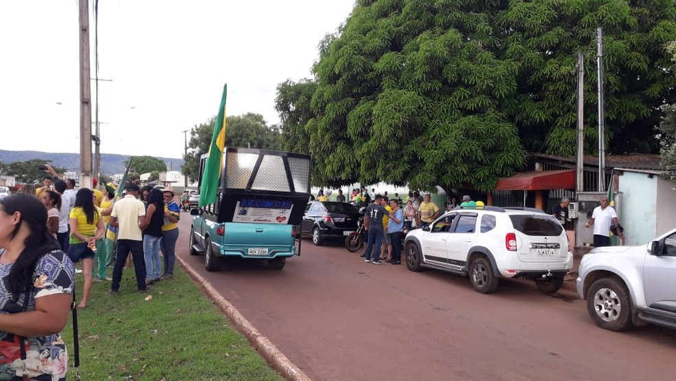 PARAÍSO DO TOCANTINS, 16h15: manifestantes se reúnem neste domingo (26) em apoio ao governo Bolsonaro — Foto: Divulgação/Sargento Adriano