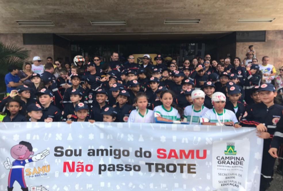"""""""Samu na Escola"""" é uma iniciativa que leva equipes do Serviço de Atendimento Móvel de Urgência para escolas de Campina Grande (Foto: Divulgação/Secretaria Municipal de Saúde)"""