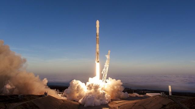 SpaceX lança Falcon 9 para levar satélites de telecomunicações para o espaço  (Foto: Official SpaceX Photos Flickr)
