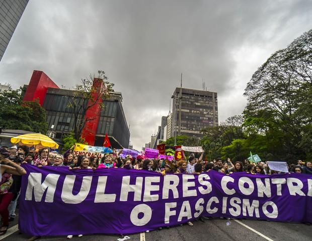 Mulheres protestam na Avenida Paulista, em São Paulo, no fim de semana das eleições presidenciais do primeiro turno (Foto:  Cris Faga/NurPhoto via Getty Images)