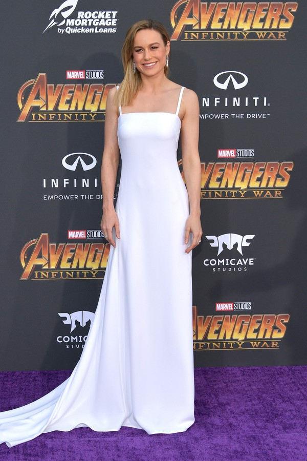 Brie Larson de longo branco Carolina Herrera. (Foto: Getty Images)