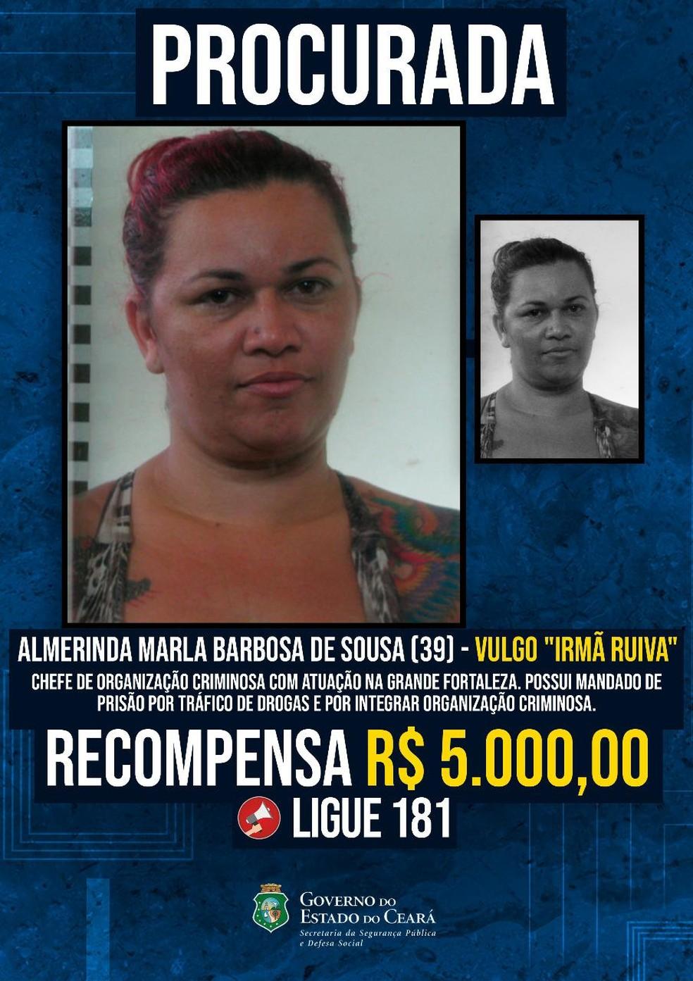 """Almerinda Marla Barbosa de Sousa, 39 anos, conhecida como """"Irmã Ruiva"""", é capturada pela polícia suspeita de chefiar um grupo criminoso com atuação na Grande Fortaleza. — Foto: SSPDS/ Divulgação"""